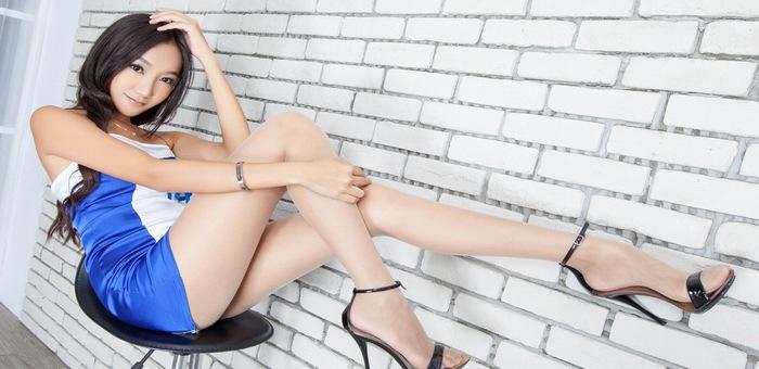 日本嫩模高跟鞋美腿性感泳装H罩杯肉感高清写真套图