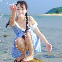 海边写真清纯可爱女生头像第1张