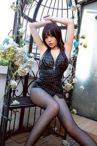 芝芝Booty天台超短裙黑丝美腿诱惑写真套图 尤果网VOL.1952