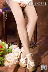气质美女允儿白色衬衫修长美腿写真套图 Ligui丽柜NO.847