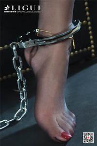 玉足美女轩轩带手铐脚铐穿黑丝袜的诱惑套图 Ligui丽柜NO.724