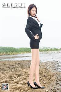 风骚美女语寒海边性感丝袜美腿写真图片 Ligui丽柜NO.900