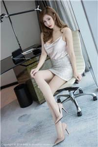 性感吊带包臀裙美少妇高跟美腿写真超高清图片