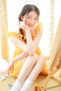 甜美可爱马尾辫萝莉白嫩长腿养眼人体艺术写真