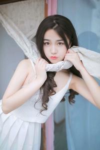 纯情玉女烈焰红唇诱人美腿西西日本顶级大胆艺木写真
