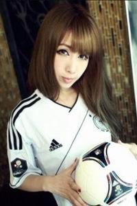 足球宝贝极品美腿顶级白皙美女人体艺术