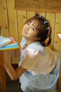 校园学生妹甜美制服青涩人体艺术诱惑写真