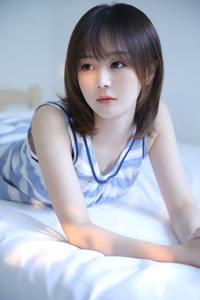 极品短发美女尤物水嫩清纯可爱床上酥胸人体艺术写真