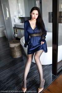 寂寞少妇Miki兔黑丝翘臀巨乳诱惑西西人体大胆写真