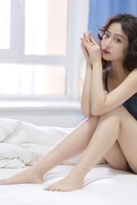 大眼萌妹西子吊带内衣337pJ巨乳性感美女人体大胆图片